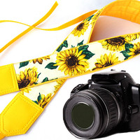 Yellow camera strap. Sunflowers Camera strap.  Flowers camera strap.  DSLR / SLR Camera Strap. Camera accessories. For Canon, Fuji, Nikon &