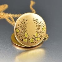 Gold Forget Me Not Flower Engraved Antique Locket