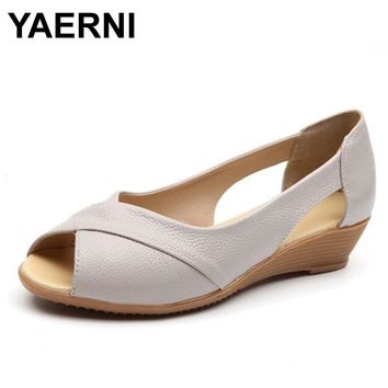 2017 new Summer Style Weave Genuine Leather Wedges Heel Sandals Women Flat Peep Toe Soft Bottom Solid Female Casual Summer Shoes