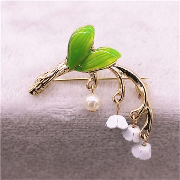 New sweet fresh and lovely green Enamel  brooch lily orchid Boutonniere pin holiday gift