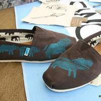 Hippo TOMS shoes