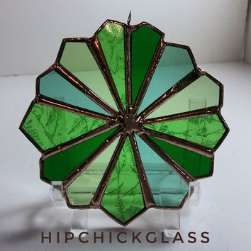 Stained glass Suncatcher, Green Sun catcher, Green Glass green color wheel