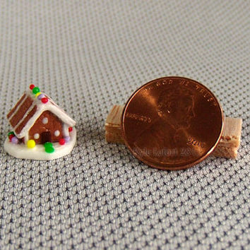 Quarter Scale Christmas Gingerbread House - Holiday Dollhouse Miniature Decoration - 1:48 scale - Striped Roof