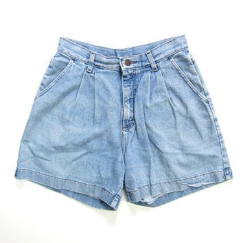 Vintage Lee Jean Shorts 80s 90s MOM Jean Shorts Washed Out Pleated Denim Shorts High Waist Preppy Shorts Faded Blue Jean Shorts Waist 28