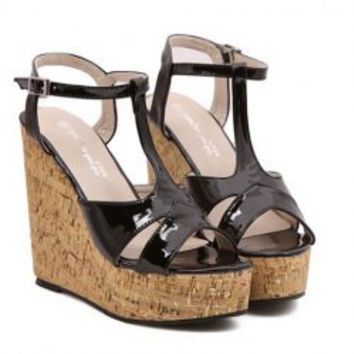 Stylish Women's Sandals With Patent Leather and Wedge Design