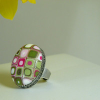 Adjustable Antique Finish Oval Retro Ring in Spring Colors, Pink, Green