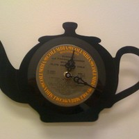 $34.00 Teapot clock by MoralMustache on Etsy