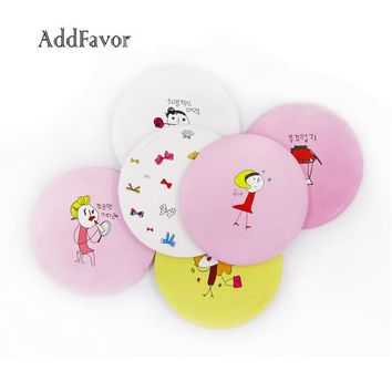 1pc Mini Pocket Makeup Mirrors Portable Hand held Cartoon Pattern Mirror Makeup Tools Lovely Round Shape Tinplate Makeup Mirrors