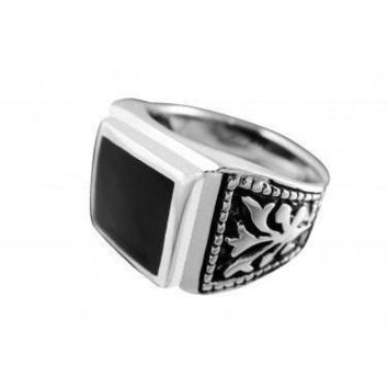 925 Sterling Silver Mens Black Onyx Celtic Irish Engraved Sides Ring