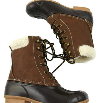 Duck Boots in Brown