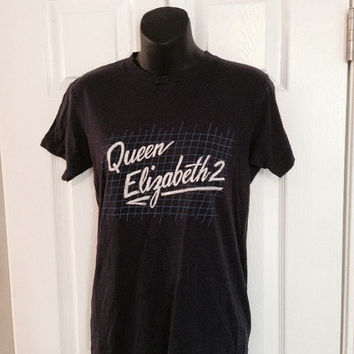 Vintage 1980s Queen Elizabeth 2 cruise ship t-shirt