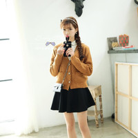 Korea retro wooden buckle short paragraph knit cardigan