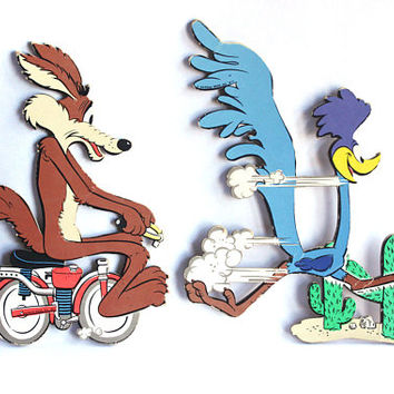 Vintage 70s Looney Tunes Coyote & Road Runner Cartoon Chipboard Wall Signs Decor | 1970s Copyright 1977 Warner Bros