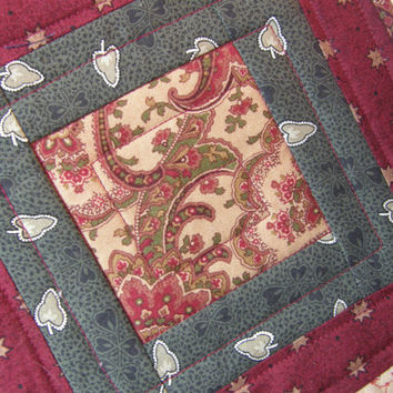 Quilted Mug Rug - Rustic Paisley and Flying Geese