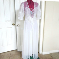 Vintage Bridal 1956 White Lace Gown Negligee Peignoir Set – Perfect for the Bride