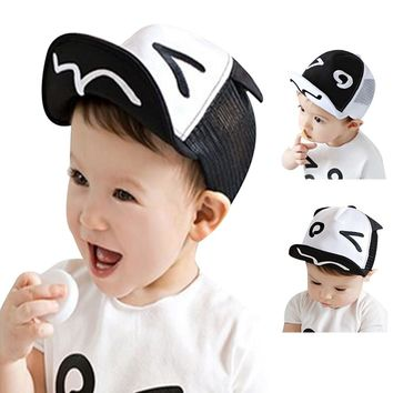 71dba28d4a9 Spring Summer White and Black Baby Baseball Hat Baby Hats Baseball Cap Baby  Boy Beret Wave