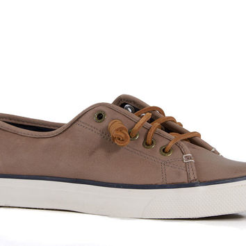 Sperry Top-Sider Womens Seacoast Sneaker in Weather Worn Greige STS93414