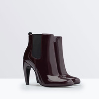 Bootie with a rounded heel