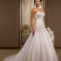 Stanny's blog: Speaking about simple elegant wedding gowns this is the favorite option for