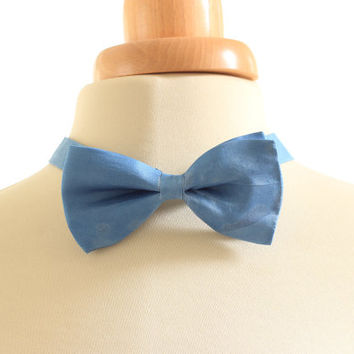 Men's bow tie, sky blue naturally dyed silk bowtie, hand dyed with natural indigo