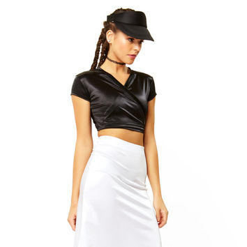 Under Wraps Black Solid Liquid Spandex Short Sleeve Crop Top