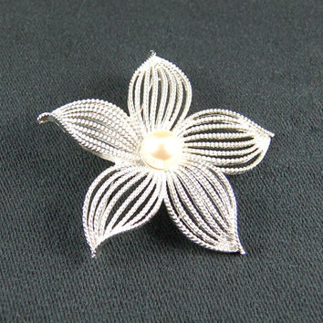 Vintage White Silver Colored Star Brooch - Vintage Brooch - Vintage Jewelry - Costume Jewelry - 1980's - Unique Brooch