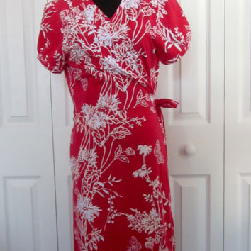 Vintage Wrap Dress Red and White Crossover Wrap Tie Closure Stretch Cotton Red Dress White Floral Design Womens 14 Day Dress