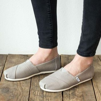 PEAPVA6 TOMS Heritage Canvas Shoe - Morning Dove