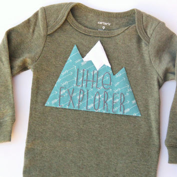 Little Explorer Baby Bodysuit, Snowboarding Baby, Mountain Bodysuit, Baby Mountain Shirt, Colorado Baby, Mountain Baby, Adventure Baby