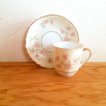 Hutchenreuther Gelb L.H.S Bavaria Germany Pasco Floral White/ Eggshell White Demitasse and Saucer Bone China