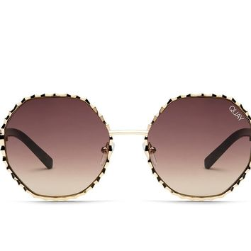 Quay Breeze In Gold Sunglasses / Brown Lenses