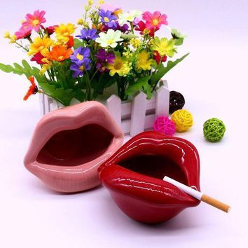 PEAPON Fashion Ceramic Lips Cigarette Holder Ashtray