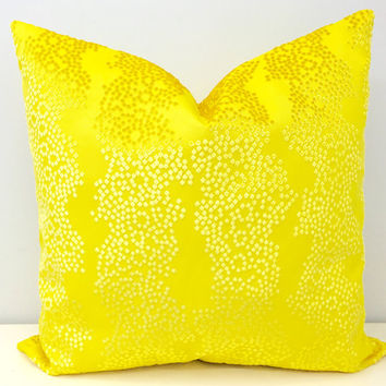 Yellow Velvet Pillow Cover, Velvet Pillow, Yellow Cushions, 18X18 24X24 Velvet Throw Pillows, Yellow Couch Sofa Pillow, Velvet Pillow Covers