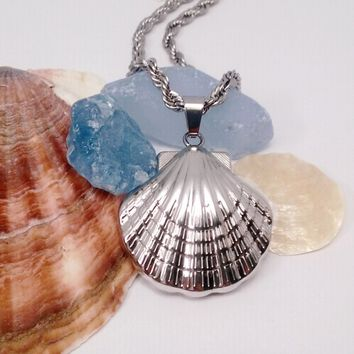 Oceanside Stainless Steel Puffed Clam Shell Pendant Necklace
