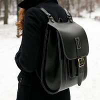 "15.6"" Genuine leather backpack, Black rucksack for men and women"