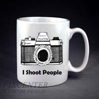 I Shoot People Funny Photography Personalized mug/cup