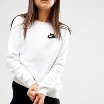 Nike: Fashion Sports Sweater Girl Men B-KWKWM White