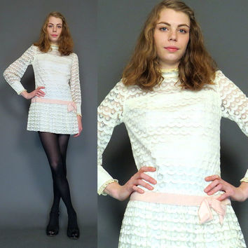 vintage 60s white lace mod mini dress // wedding // boho dress // party dress