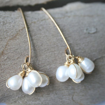 Gold and White Pearl Earrings, Long Cluster earrings with pearls, Wire Wrapped Pearls for Weddings,