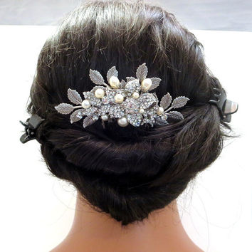 Bridal hair comb, Wedding hair comb with leaves and flowers, Rhinestone hair comb, Antique silver hair comb, Wedding hair accessory