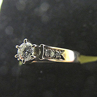 Diamond solitaire engagement ring 9ct gold 0.26ct total US size 5 pinky ring vintage.