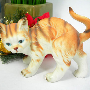 Enesco Orange & White Striped Tabby Cat Figurine - Bisque Ceramic - Vintage 1985 - Made in Taiwan - 3.5 Inch High - Kitten Collectible Decor