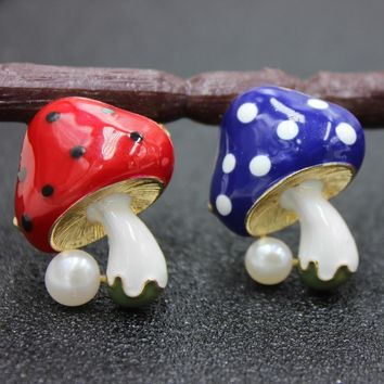 Brooches For Women Pearl Cute Mushroom Enamel Pins Baby Hat Gifts Pins Lapel Pin Up Jewelry For Children Lovely Brooch For Kids