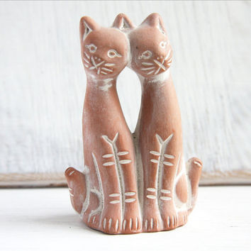 Vintage Collectible Figurine Two Cat Friends  - Terracotta Ceramic with White Engraved Lines - Great Gift Idea for Cat Lovers