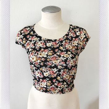MADDY FLORAL CROP- BLK/CORAL