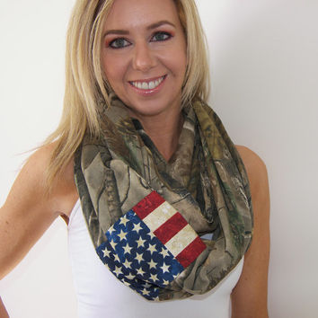 GRAND OPENING SALE / American Flag Infinity Scarf - Camouflage Scarf  - Real Tree Infinity Scarf - Real Tree - Grunge American Flag