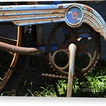 Rusty Old Bicycle . 7d15946 Canvas Print