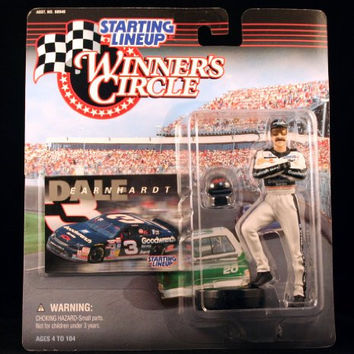 DALE EARNHARDT / GOODWRENCH 1998 Winner's Circle Starting Line NASCAR Series Action Figure & Exclusive Collector Trading Card