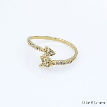 Crystal Gold Arrow Ring