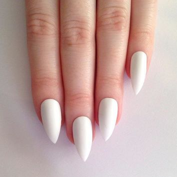 Matte White Stiletto Nails Nail Designs Nail Art Nails Stiletto Nails Acrylic Nails Pointy Nails Fake Nails